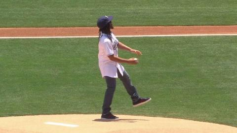 SEA@SD: Rapper Lil Jon throws out the first pitch