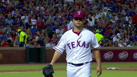 LAA@TEX: Rodriguez fans Pujols to end the frame