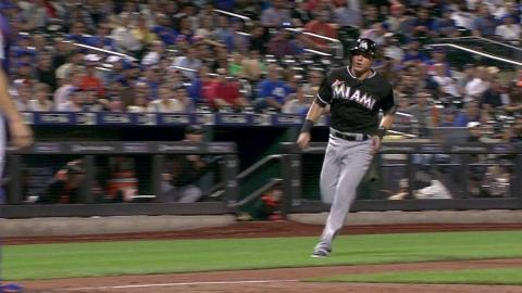 MIA@NYM: Yelich singles in Dietrich in the 9th