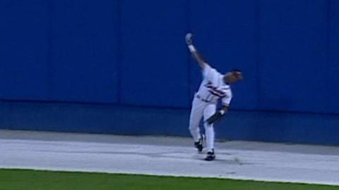 WS1996 Gm3: Jones makes catch, doubles up Raines