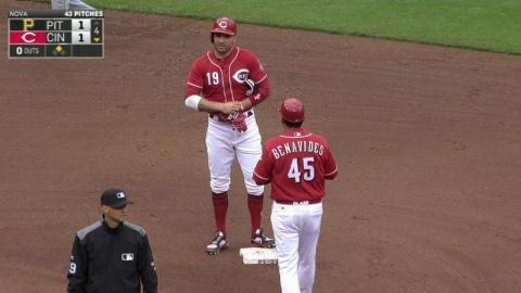 PIT@CIN: Votto hammers an RBI double to left