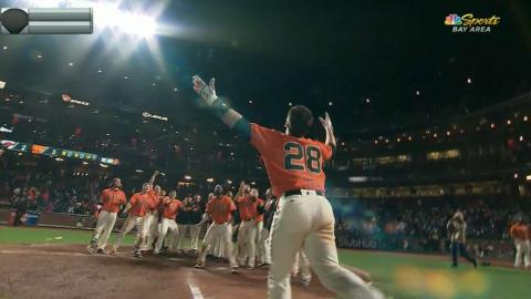 Posey belts a walk-off homer in the 17th