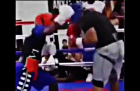 Floyd Mayweather Sparring But No Opponent Named For Sept 2015 ! They Better Be Happy With A 6wk Camp