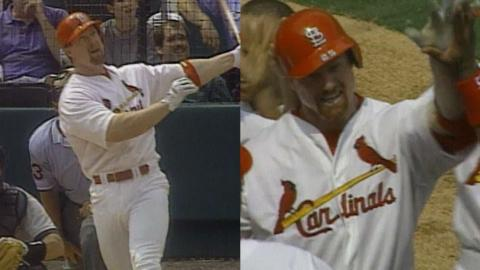 McGwire hits a walk-off home run off Wagner in 1998