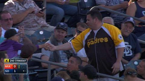 MIA@SD: Fan gives away his foul ball to young girl