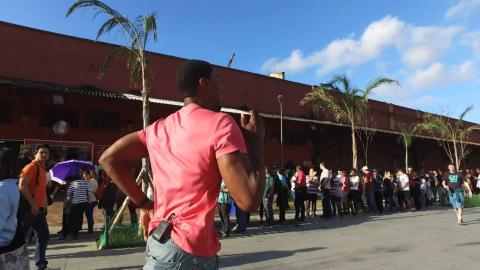 Check out the Crazy Line outside the NBA House in Rio!