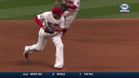 MIN@CLE: Indians turn 5-4-3 double play on Dozier
