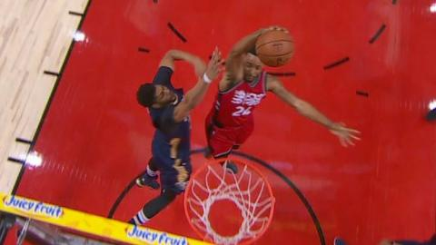 Norman Powell Catches Davis with Poster Slam | 01.31.17