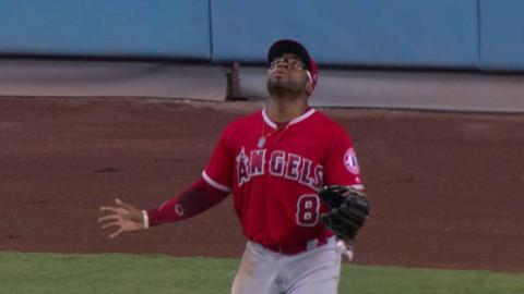 LAA@LAD: Taylor doubles as Young Jr. loses the ball