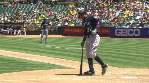 SEA@OAK: Cano remains in game after hit-by-pitch