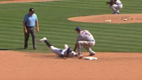 LAD@SD: Grandal catches d'Arnaud stealing second