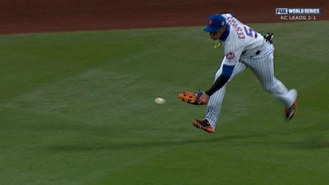WS2015 Gm4: Perez scores after Cespedes' misplay