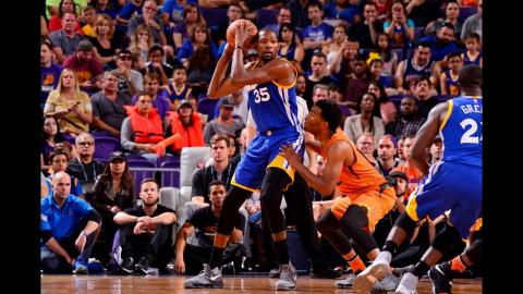 Kevin Durant Drops An Efficient 37 Points In Phoenix