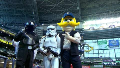 ARI@MIL: Fans show up for Star Wars day in Milwaukee
