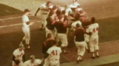 1958 WS Gm1: Bruton's walk-off hit gives Braves win