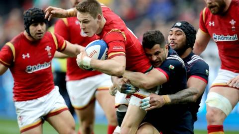 Wales set up strong attack with great hands down the wing!  | RBS 6 Nations