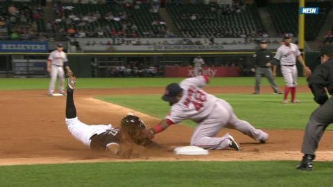 BOS@CWS: Bradley throws out Sanchez at third base