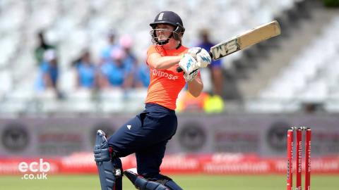Heather Knight reacts to England D/L defeat