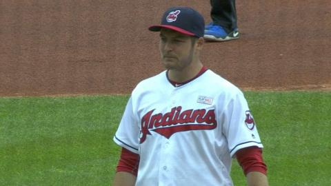 MIN@CLE: Bauer fans eight over 6 2/3 innings