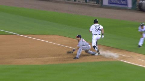 MIN@DET: McCann plates a run with a fielder's choice