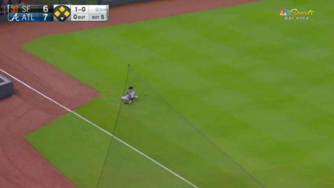 SF@ATL: Slater makes a nice sliding grab in the 5th