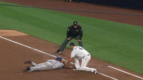 TEX@SD: Andrus ruled safe after Rangers' challenge