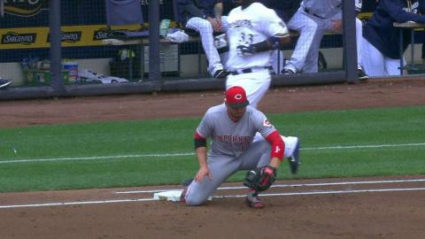 CIN@MIL: Carter is ruled safe and the Reds challenge