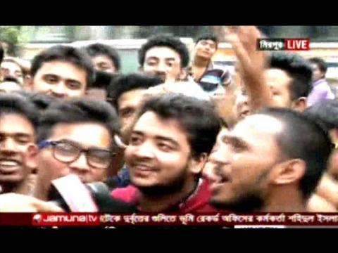 Bangladeshi Cricket Fan in Ticket line for BD vs England 2nd ODI & Hoping to win 2nd ODI Match