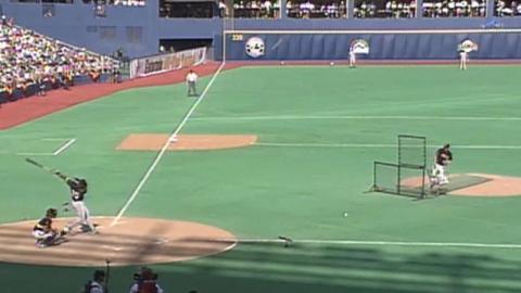 1994 HRD: Frank Thomas blasts homer into upper deck
