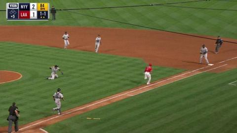 NYY@LAA: Tanaka makes a great diving stop on a bunt