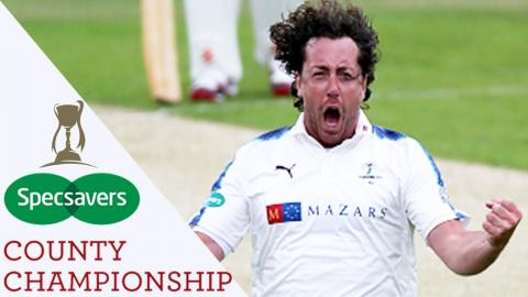 Yorkshire Dominate Lancashire: Highlights - Specsavers County Championship 2017