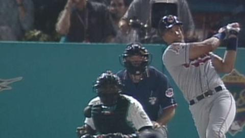 1997 WS Gm2: Alomar's homer extends the Tribe's lead