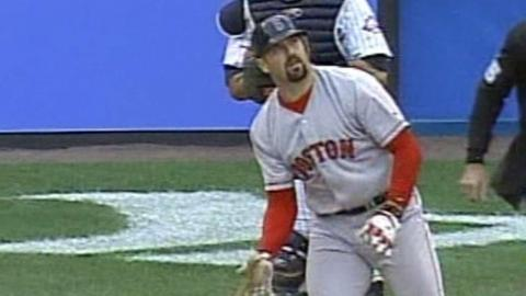 2003 ALCS Gm6: Varitek's homer ties game in 3rd