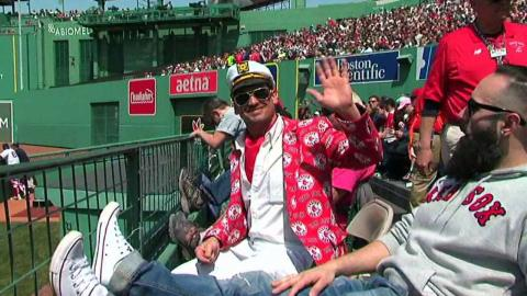 TOR@BOS: Sox fan says 'Hi Mom' in his wild red jacket