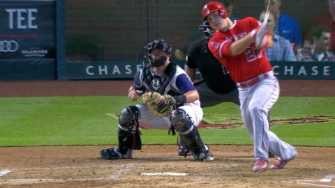 LAA@ARI: Angels push across five runs in the 6th