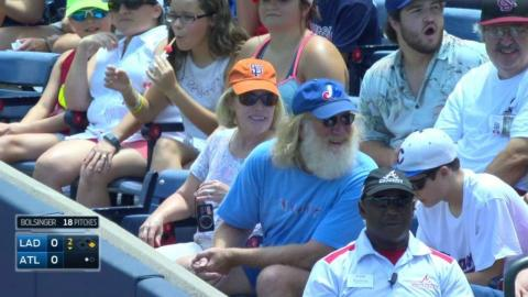 LAD@ATL: Giants, Expos fans get foul at Braves game