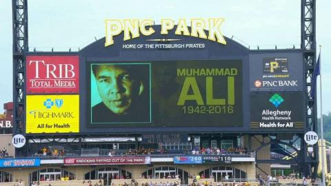 LAA@PIT: Announcers discuss the passing of Ali