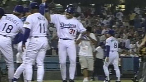 MON@LAD: Piazza hits a walk-off home run vs. Expos