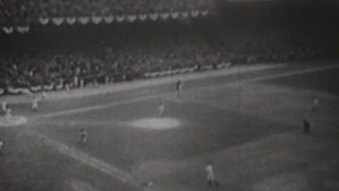 1935 WS Gm6: Goslin's walk-off hit wins World Series
