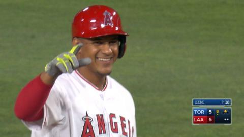 TOR@LAA: Marte hits game-tying double into the corner