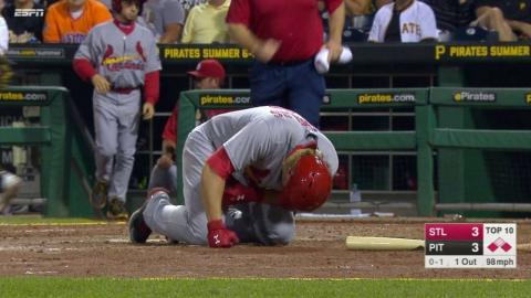 STL@PIT: Reynolds hit by a pitch, remains in the game
