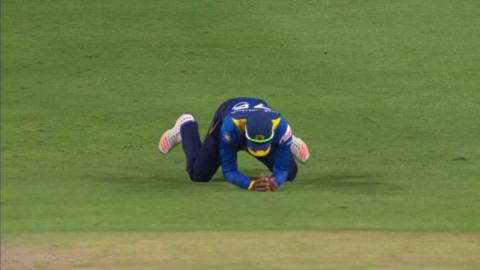 South Africa vs Sri Lanka - 3rd ODI - Faf du Plessis Wicket
