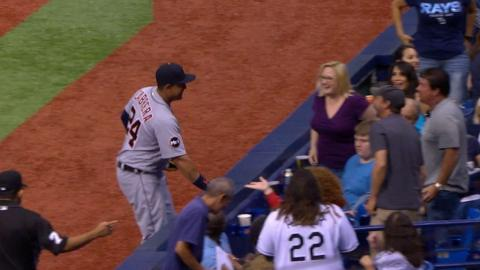 DET@TB: Cabrera shares a laugh with fan on foul ball