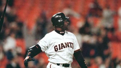 PHI@SF: Bonds hits walk-off homer, tosses bat in air
