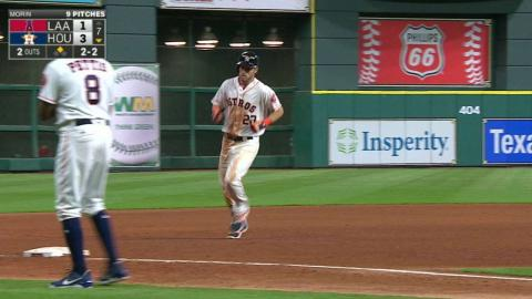 LAA@HOU: Reddick belts his first homer of the season