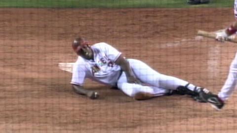 BAL@LAA: Guerrero hits inside-the-park home run