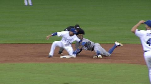 TOR@KC: Dyson throws out Reyes at second base