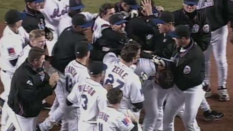 SF@NYM: Piazza hits walk-off home run vs. Giants
