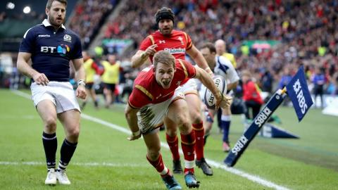 Liam Williams try after quick tap by Rhys Webb! | RBS 6 Nations