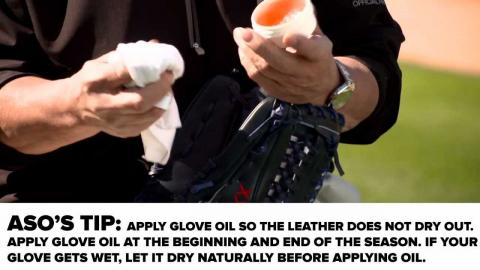 How To Apply Baseball Glove Conditioner and Oil